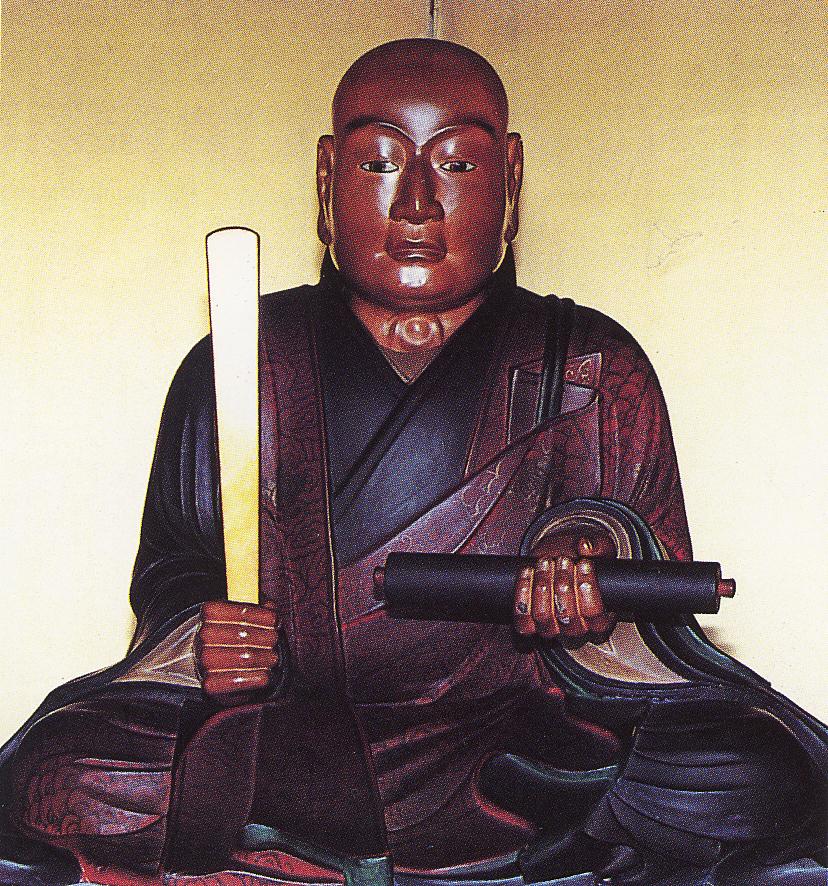 木造日蓮聖人坐像